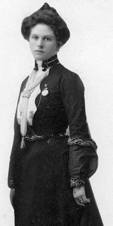 The beautiful and mysterious Etta Place, Sundance Kid's lover