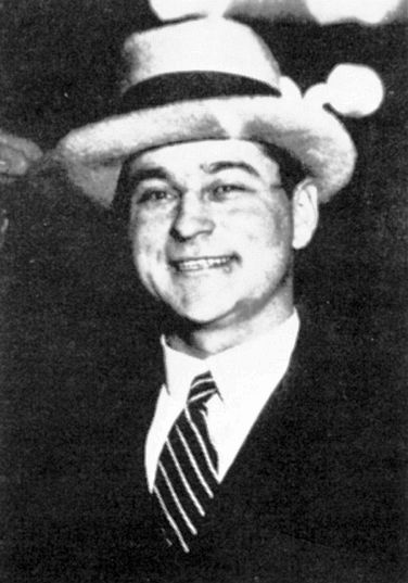"Louis ""Two-Gun"" Alterie, Chicago gangster"